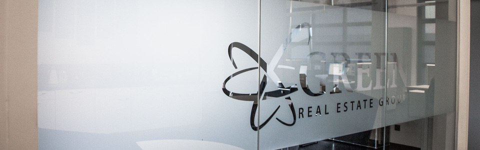 Sichtschutz Milchglas mit Logoplott